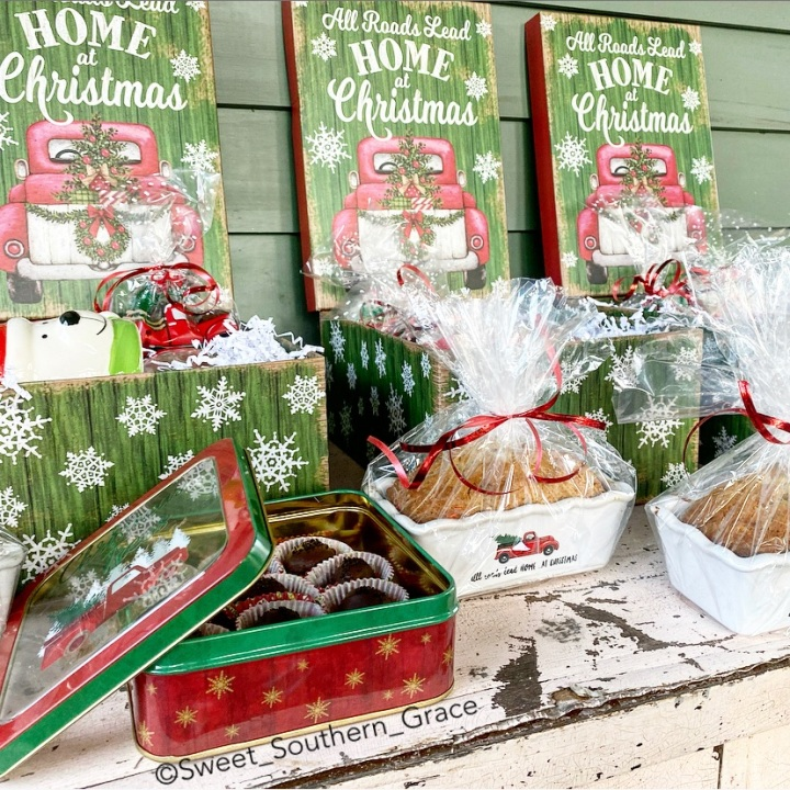 CHRISTMAS GIFT WRAPPING IDEAS WITH OLD TIMEPOTTERY